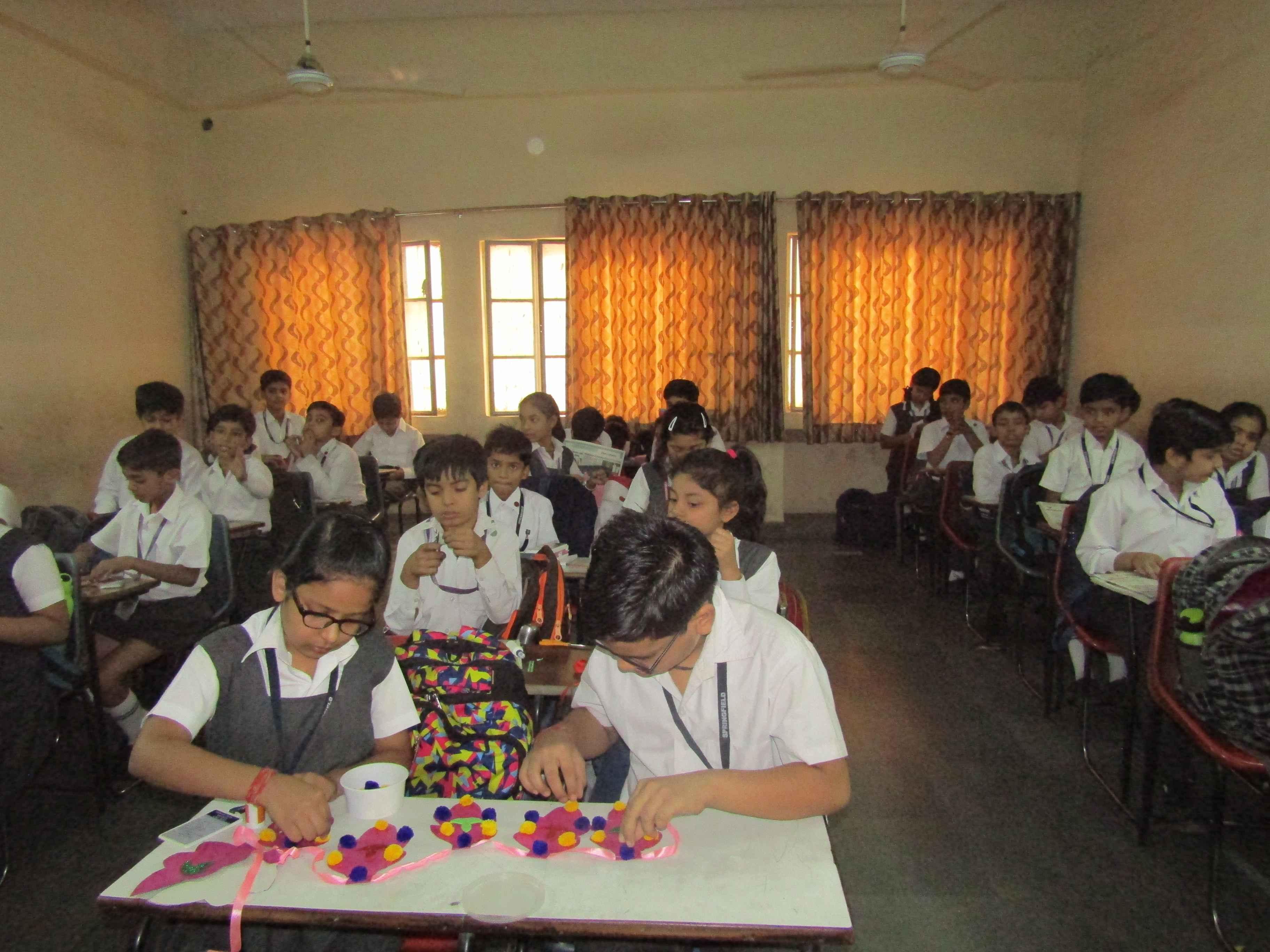 Bandhanwar making activity (Standard V)